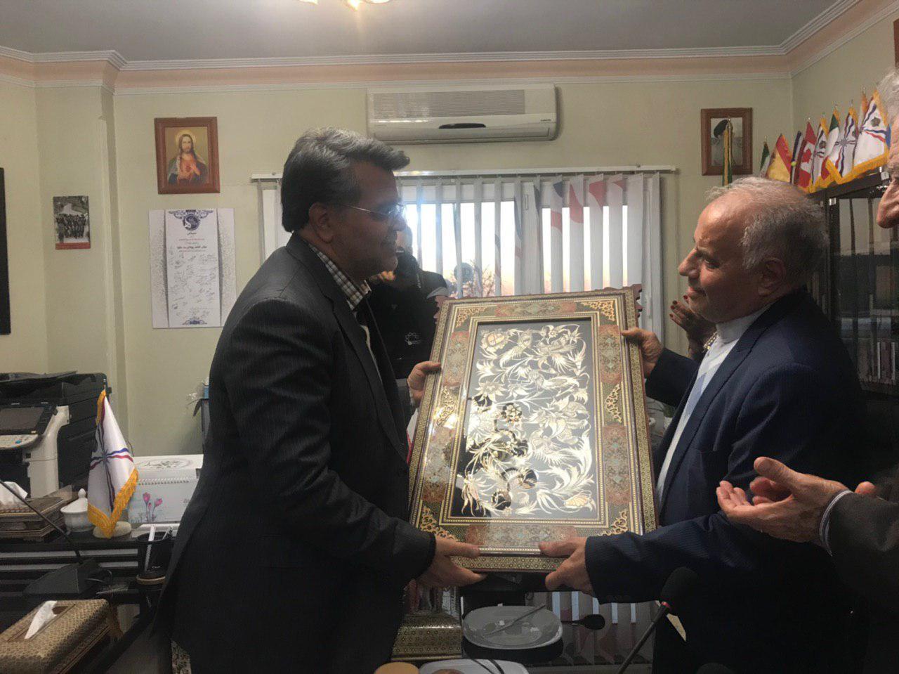 حضور دکتر خسروآبادی شهردار محترم منطقه 5 در دفتر آقای بت کلیا